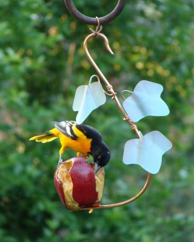 Decorative Ivy Fruit Feeder